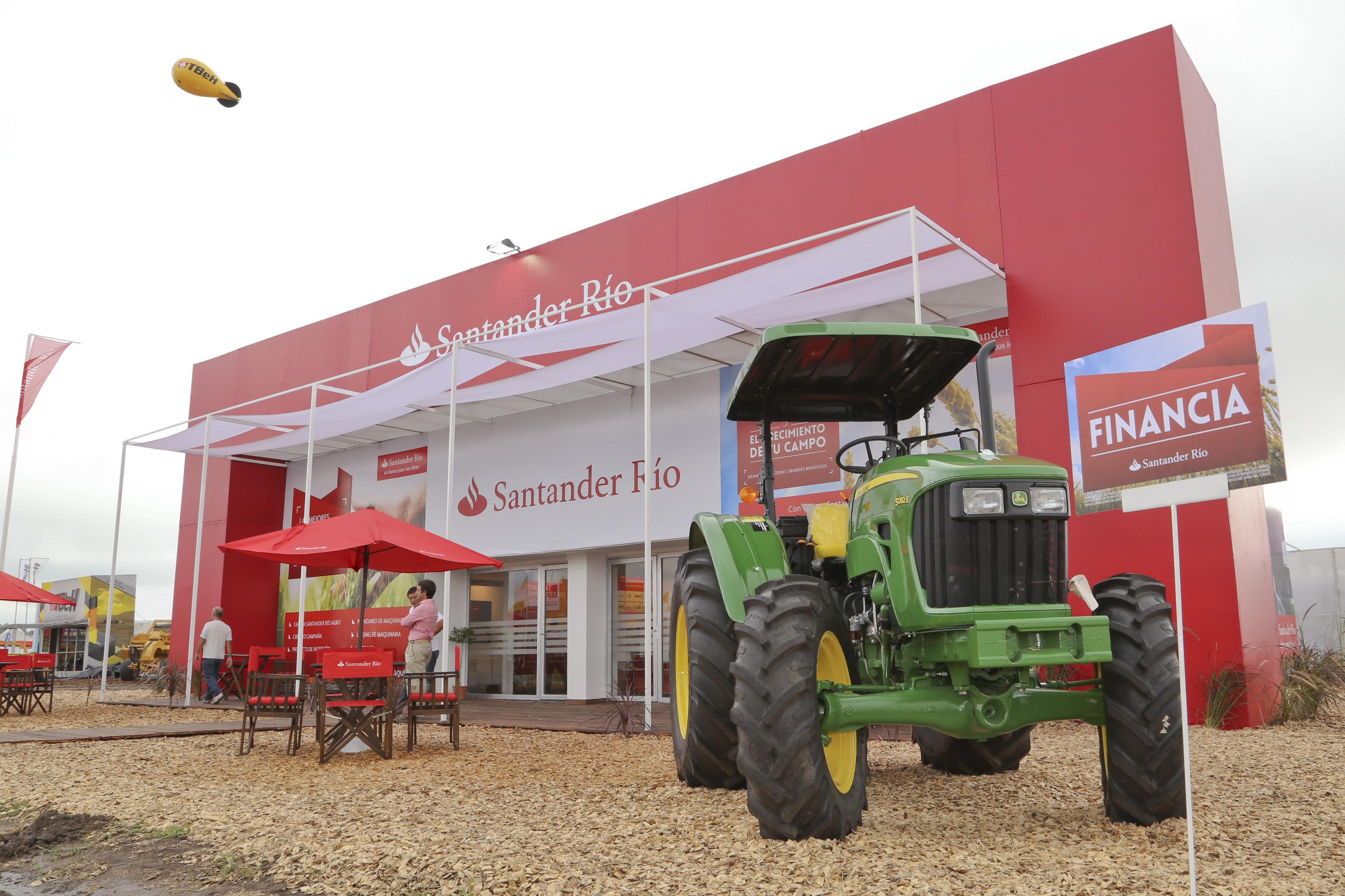 Expoagro Stands : Un banco cada vez más agropecuario expoagro u la exposición